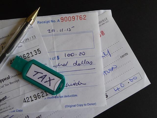 3_tax-1103675_640