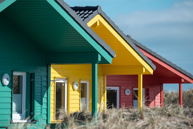 9_wooden-houses-2164726_640